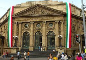 Desacato constitucional en la Ciudad de México