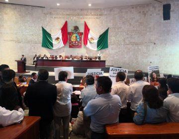 Comparece fiscal de Oaxaca ante Congreso, diputados le hacen vacío; justicia reclaman familiares de víctimas