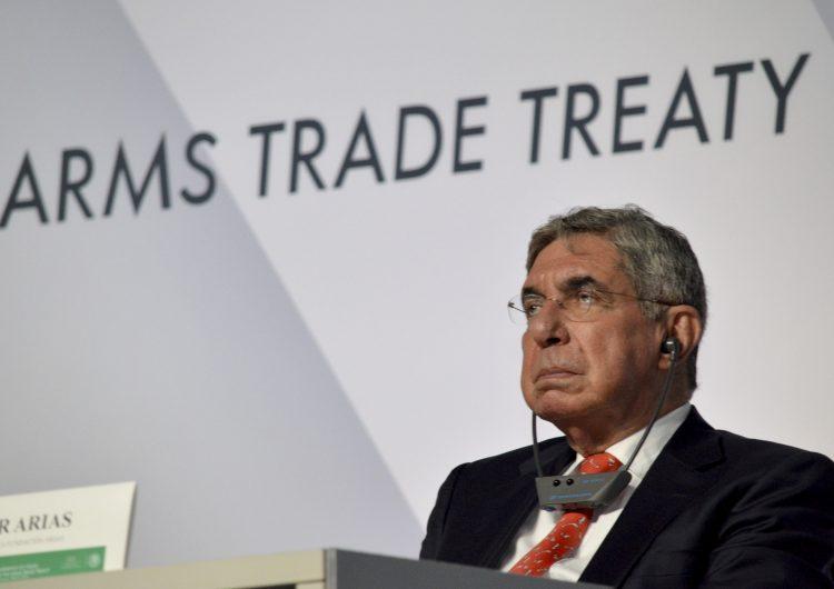 Activista acusa a expresidente de Costa Rica y Nobel de la Paz, Oscar Arias, de abuso sexual