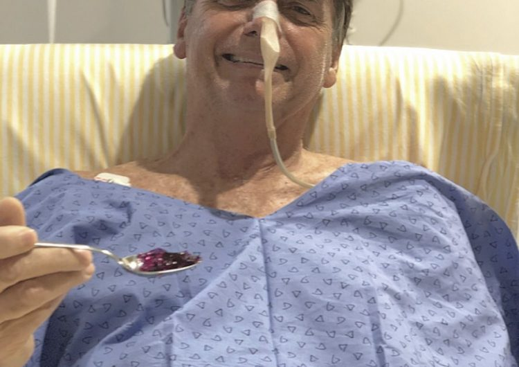 Bolsonaro mejora de la neumonía diagnosticada tras cirugía intestinal