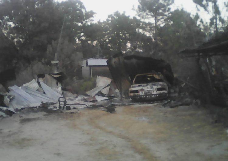 Incendian casetas y casas en El Pedimento, Juquila; acusan autoridades municipales omisión de gobierno de Oaxaca