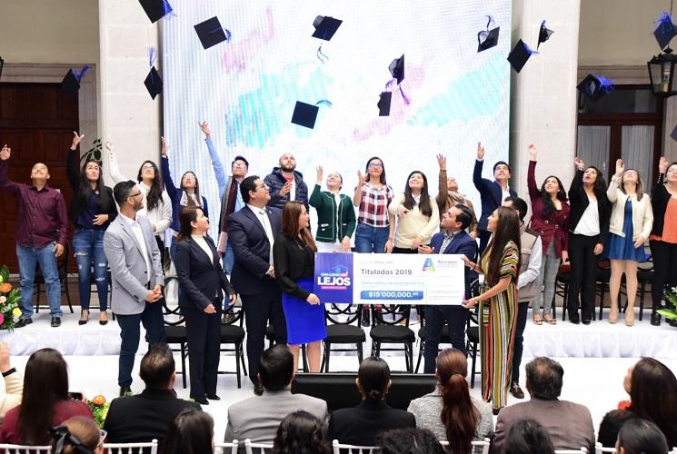 Invertirá municipio capital 15 mdp para titulación de jóvenes universitarios