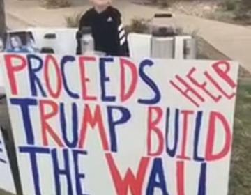 Niño de Texas recauda 9,000 dólares para el muro de Trump vendiendo chocolate