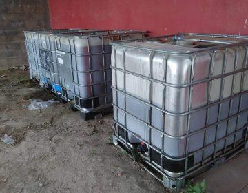 Aseguran casi 4 mil litros de huachicol en Asientos
