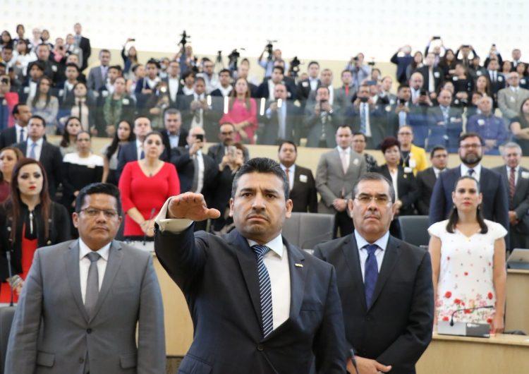 Es oficial: Carlos Zamarripa toma protesta y será el #FiscalCarnal de Guanajuato