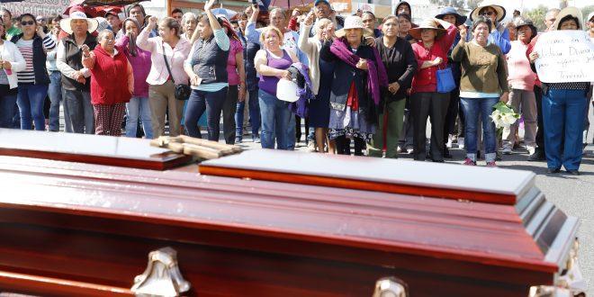 Bloquean la Actopan-Tula con un féretro; exigen indagar homicidio