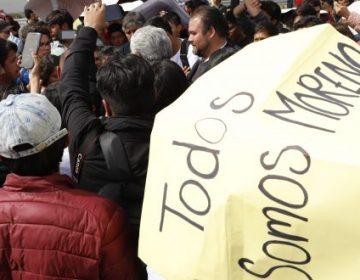 Se manifiestan en la UPP: piden restituir a docente