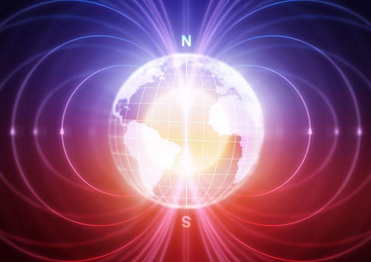 """""""Algo extraño está sucediendo"""": El polo norte magnético de la Tierra se mueve rápidamente hacia Siberia"""