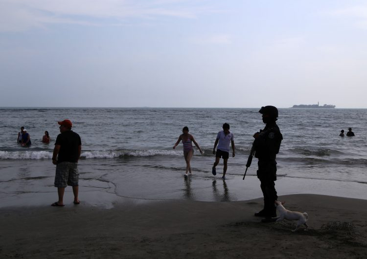 Qué es la marea sizigia, el fenómeno que hizo retroceder el mar en tres playas de México