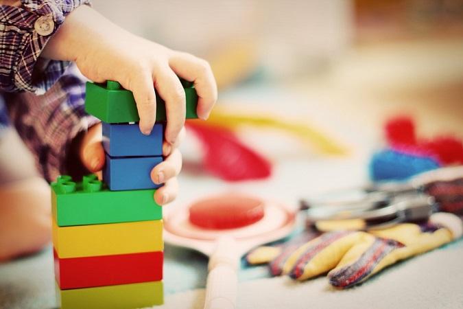 Proponen destinar ahorros del Senado a programa de estancias infantiles