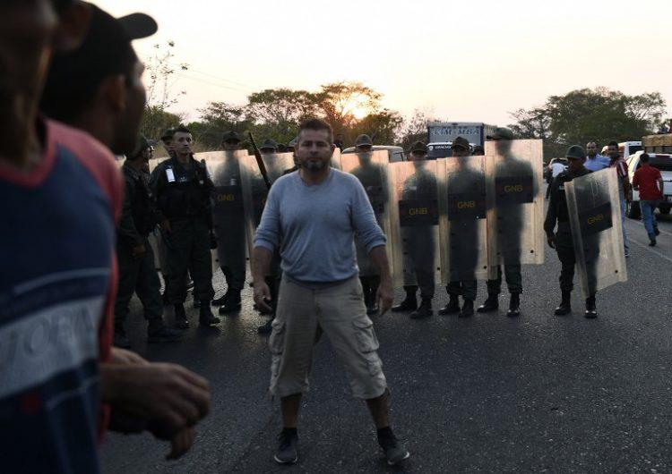 Venezuela: enfrentamientos en la frontera con Brasil dejan 2 muertos y al menos 15 heridos