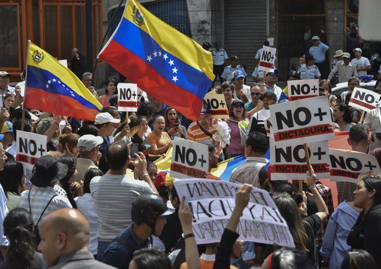 Crisis en Venezuela: Trump no descarta ocupación militar; Canadá envía 40 mdd para atender a la población