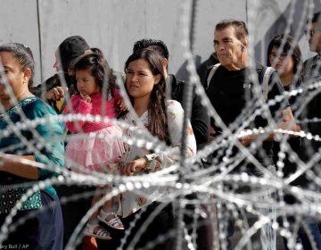 American Civil Liberties demanda a Trump por obligar a migrantes que piden asilo esperar en México