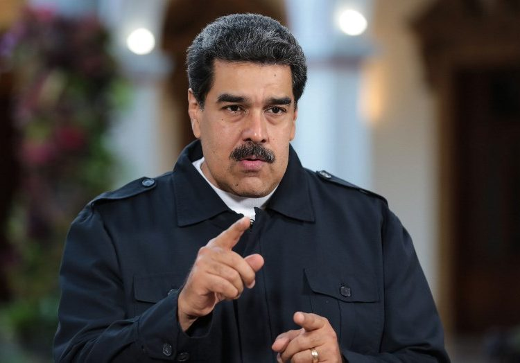 """""""Si fueras venezolano enfrentarías la justicia"""": Las respuestas que Maduro dio a Jorge Ramos registradas en una libreta"""