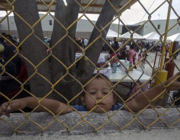 Gobierno de Trump pide a militares que se encarguen del alojamiento de 5,000 menores migrantes