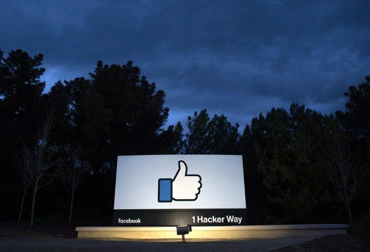 Facebook promete mayor privacidad y seguridad, a un año del escándalo por uso de datos