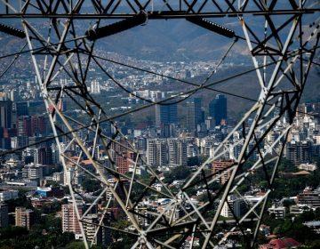 Colombia impide ingreso a familiares de Maduro que huían del apagón en Venezuela
