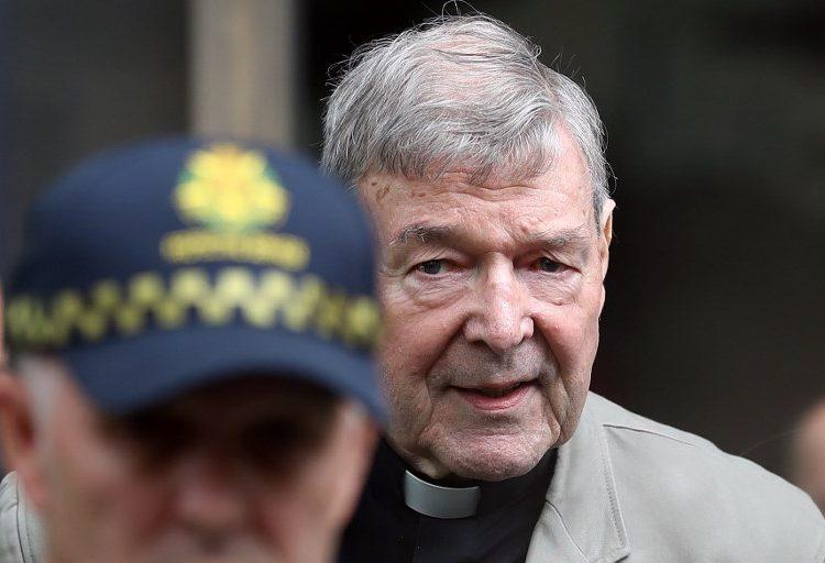 El cardenal George Pell es condenado a seis años de prisión por abusar de dos niños