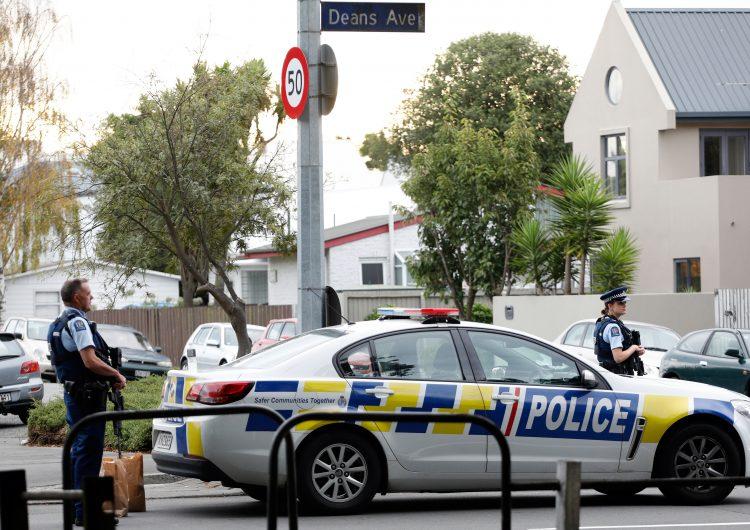 Tiroteos en mezquitas de Nueva Zelanda dejan 49 muertos; hay cuatro arrestados