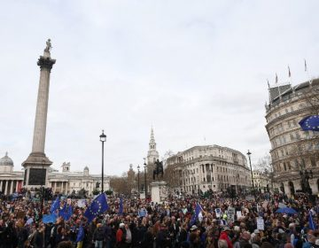Miles de anti-Brexit salen a las calles de Londres para pedir un nuevo referéndum