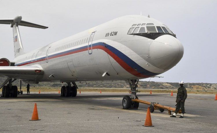 Llegan militares rusos a Venezuela; autoridades piden a los ciudadanos no alarmarse