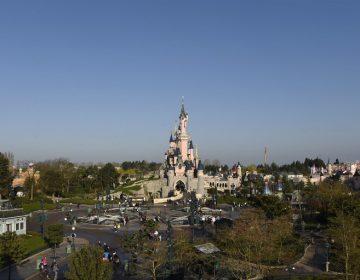 Una avería en escalera mecánica provoca ola de pánico en Disneyland París