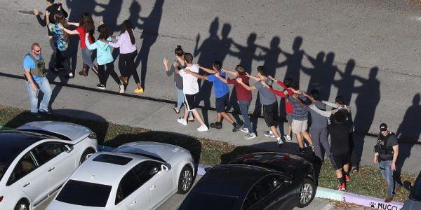 suicidio-jovenes-tiroteo-parkland