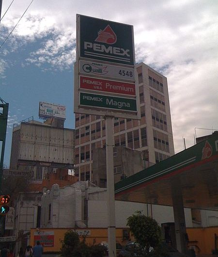 Decomisan gasolina y diésel robado en cateo a gasolineras