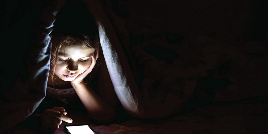 Facebook, redes sociales, depresión, autoestima, adolescentes, sueño, psicología