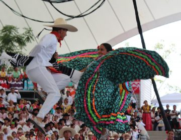 Restringen espacios gratuitos para La Guelaguetza; comercializará gobierno 75% de los asientos