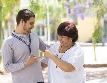 Destaca alumno con discapacidad auditiva de la UTA en aprovechamiento y rendimiento escolar