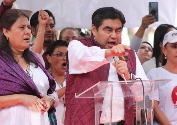 Miguel Barbosa cerrará su precampaña en la Plaza de la Democracia
