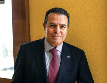 La banca tiene que estar en línea con los objetivos del gobierno y la sociedad: Carlos Soto Manzo