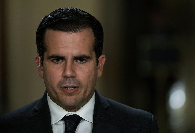"""""""Golpearé al hostigador en la boca"""", la advertencia del gobernador de Puerto Rico a Trump"""