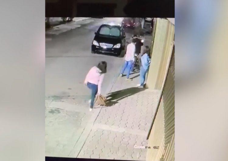 Cámara de seguridad capta asalto armado a dos mujeres en Irapuato