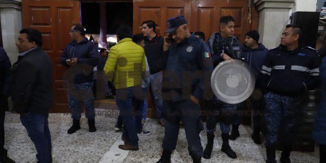 Liberan a policías de Acaxochitlán tras 10 horas retenidos