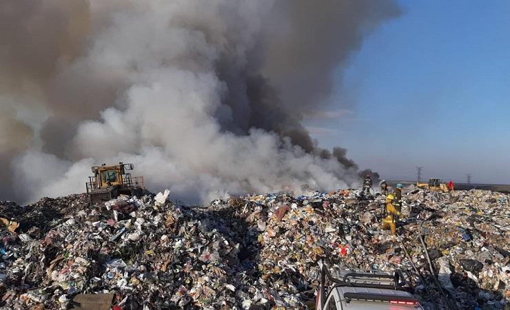 Registra Aguascalientes mala calidad del aire tras incendio en relleno sanitario