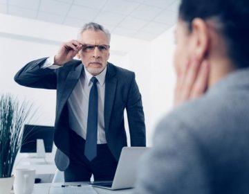 ¿Tienes un jefe abusivo? Esto puede conducir a un saboteo laboral, según estudio