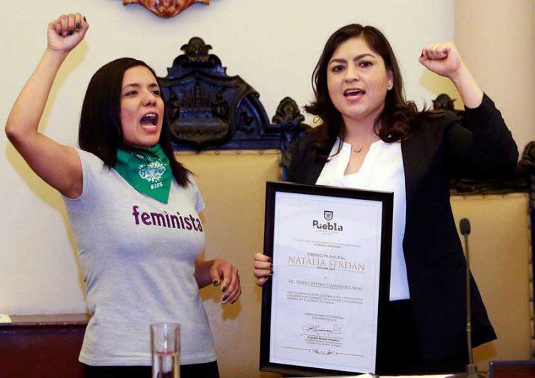 """Alcaldesa de Puebla a favor del """"aborto legal"""""""