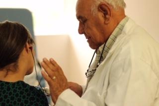 Mejora DIF atención a personas con problemas auditivos