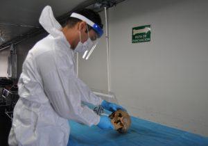 Rehidratan forenses resto humano para su identificación