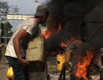 Manifestantes no quemaron ayuda humanitaria en Venezuela; las imágenes están sacadas de contexto