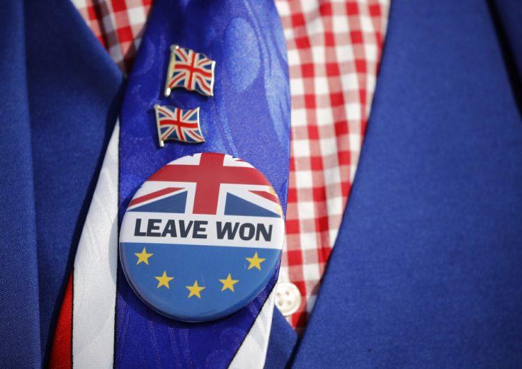 Diputados británicos acuerdan posponer el Brexit para evitar salida sin acuerdo