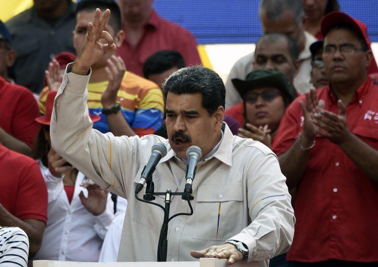 Ni dinero ni reservas del FMI para Venezuela hasta que se resuelva conflicto entre Guaidó y Maduro
