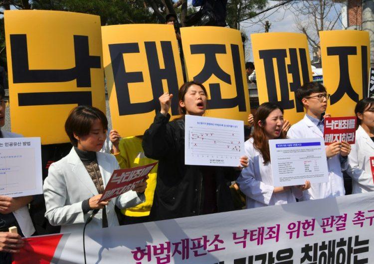 Legalizan el aborto en Corea del Sur; modificarán ley de hace 66 años