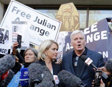 El fundador de Wikileaks Julian Assange, dispuesto a colaborar con autoridades suecas, según su abogada