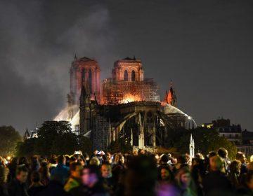¿Por qué no pueden usar aviones cisterna para apagar Notre Dame?