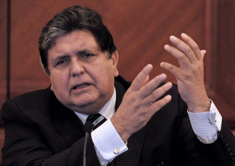 Expresidente de Perú muere tras dispararse un tiro en la cabeza antes de ser detenido por el caso Odebrecht