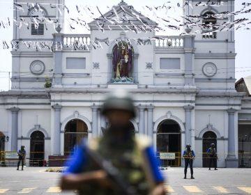 Autoridades de Sri Lanka reducen el número de muertos por los ataques a iglesias y hoteles