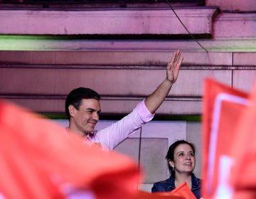 La extrema derecha irrumpe en el parlamento de España, aunque Sánchez se lleva la victoria